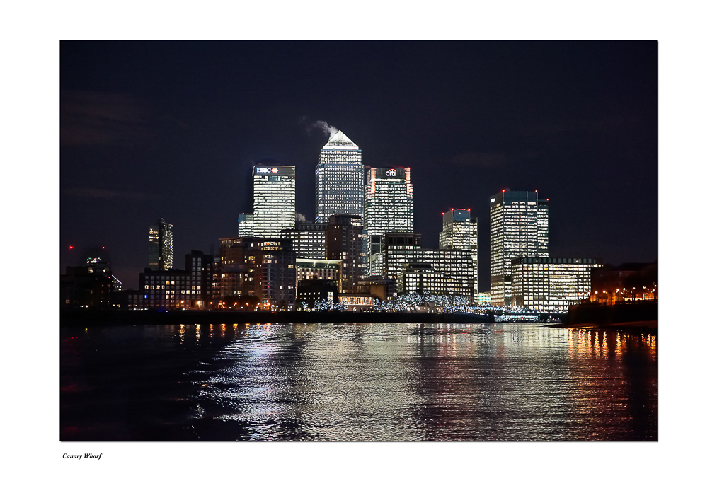 Advanced Projected Images - HC - Canary Wharf by Steve McLellan (December 2015)