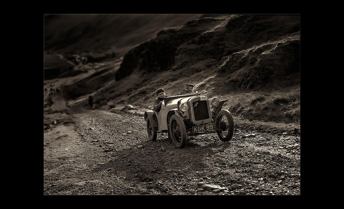 Advanced-Mono-3rd-The-Hill-Climb-Ian-Hadley