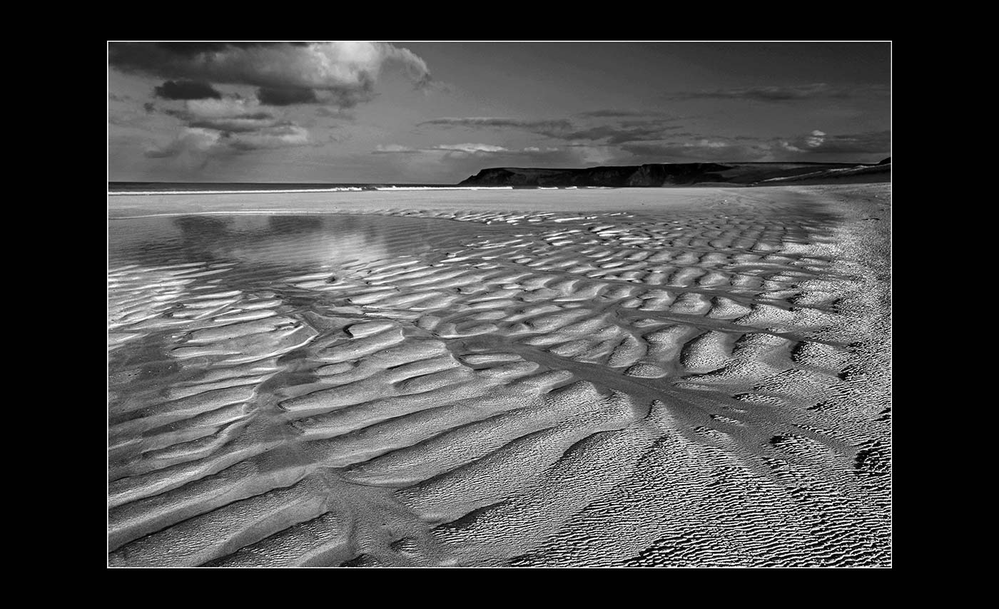 Advanced Projected Digital Image - HC - Written in Sand by Alan Thomson