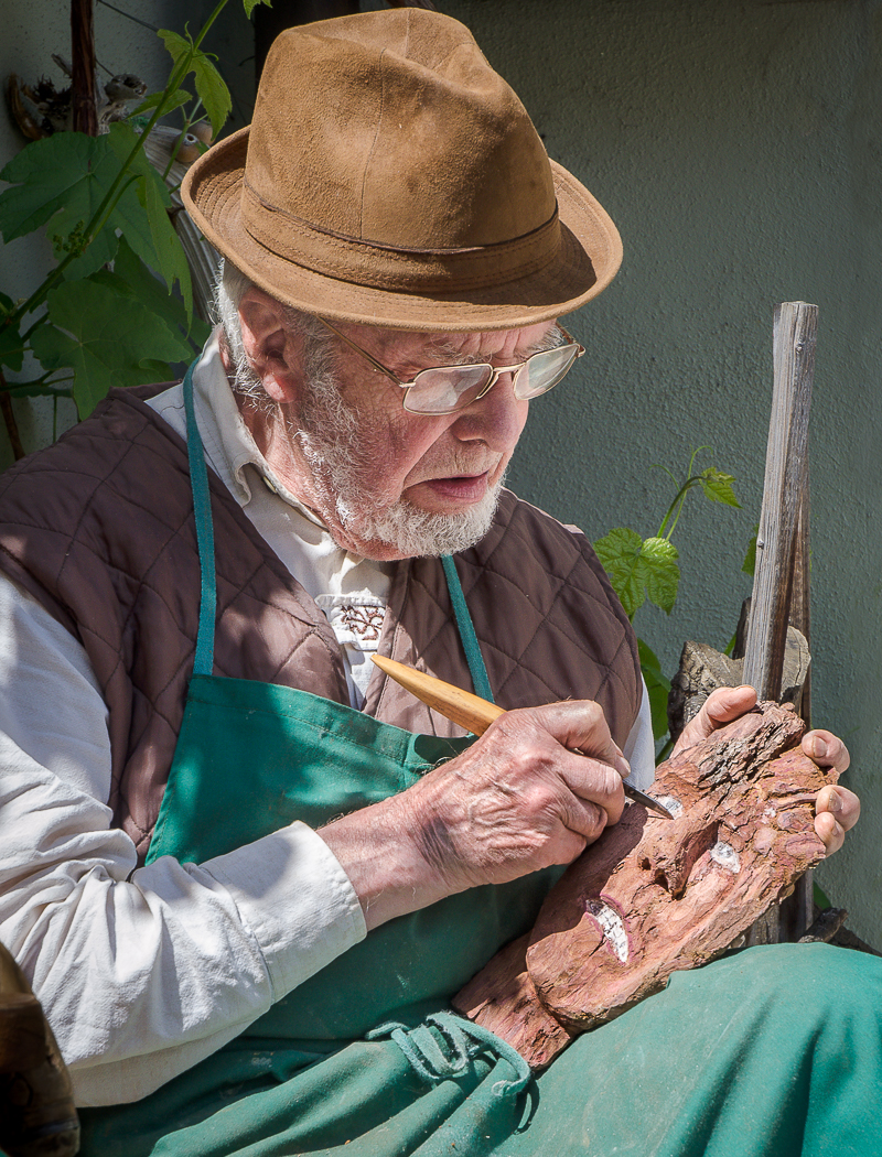 Advanced Projected Images - HC - The Woodcarver by Alan Sawyer